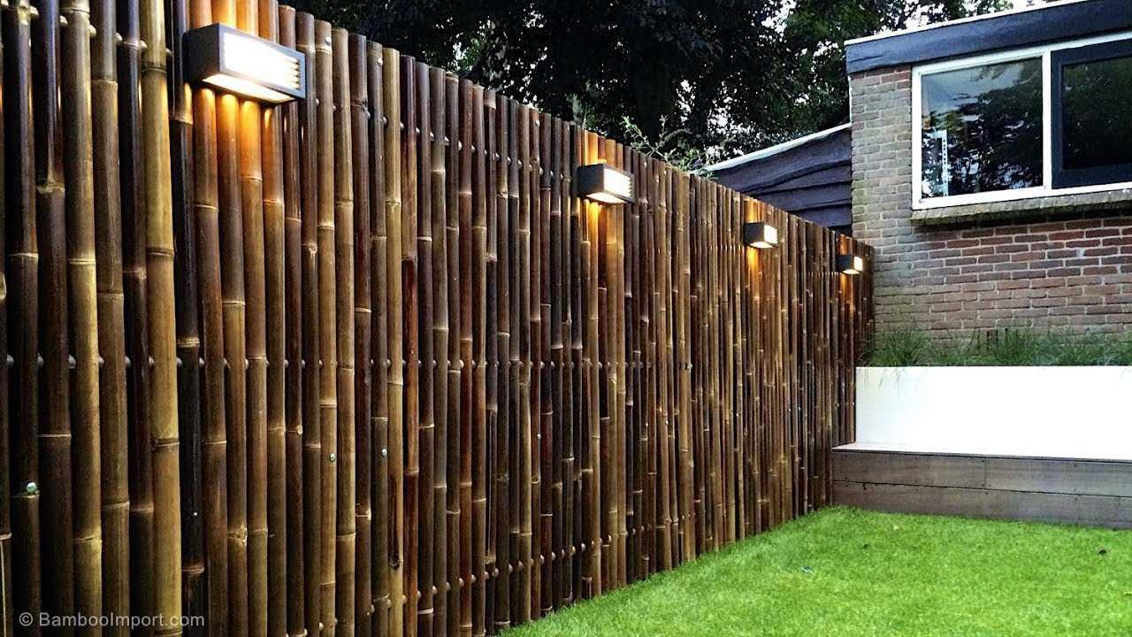 Красивий декор паркану в саду