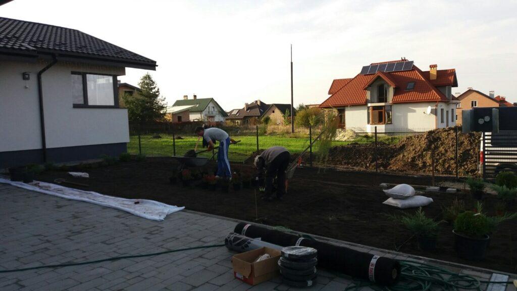 Підготовка ділянки до укладання рулонного газону